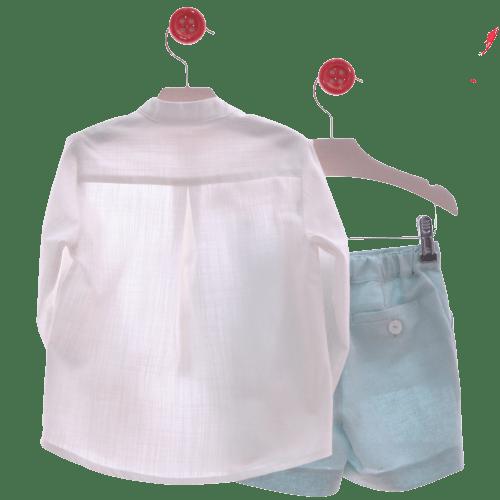 Traje infantil de camisa y bermudas atrás